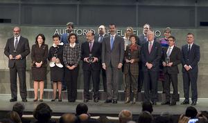 S.M. el Rey Felipe VI y finalistas y ganadores XIX Premios CODESPA.
