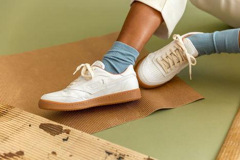 Las zapatillas sostenibles SAYE llegan a 85 países y superan los 4M€ de facturación