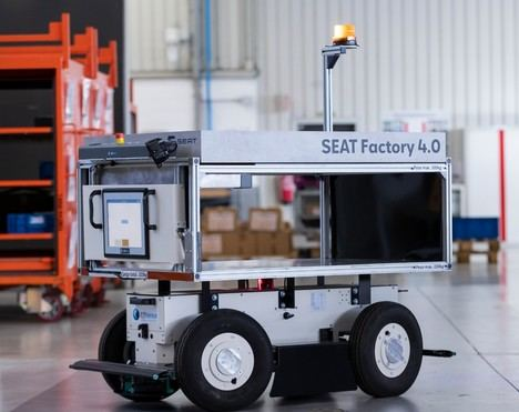 SEAT incorpora robots móviles autónomos en Martorell