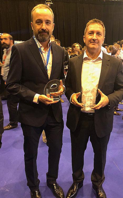 Yves Delmas, presidente de SEUR, recibe el premio a la 'Personalidad Digital del año' en los eAwards 2018