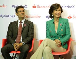 Francisco Mora, rector de la Universidad Politécnica de Valencia y vicepresidente de RedEmprendia y Ana Botín, presidenta de Banco Santander, durante el lanzamiento de Santander X.