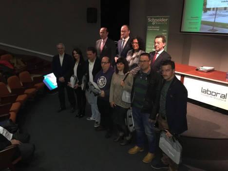 Schneider Electric entrega el primer premio de la 5ª Competición Nacional de Eficiencia Energética en la FP