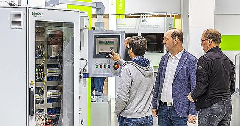Schneider Electric presenta soluciones digitales de colaboración y productividad para la industria