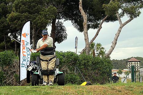 El golfista y conferenciante motivacional Sebas Lorente, embajador de The Mail Company