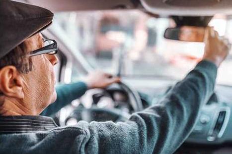 ¿Se conduce mejor a los 65 años que a los 25?