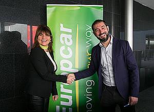 Sheila Struyck Directora de Marketing del Grupo Europcar y responsable del LAB de innovación en París y Pere Estupinya divulgador científico.