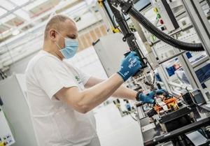 Se reanuda la producción de baterías en Skoda Auto