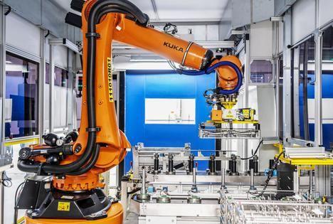 Skoda Auto crea un robot inteligente en su planta de Vrchlabí