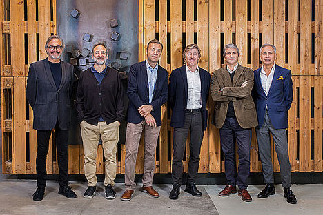 Socios de Summa Branding tras la integración de Herraiz Soto: Josep Maria Mir, Rafa Soto, Jordi Mateu, Conrad Llorens, Marcel·li Zuazua, Victor Mirabet.