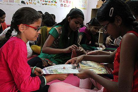 Medio centenar de niñas indias completan con exito el curso académico gracias al proyecto 'GirlChildEducation' de Sonrisas de Bombay