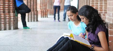Banco Santander reitera su compromiso con la Universidad en la I Cumbre Europea sobre Educación