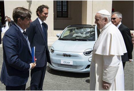 Su Santidad el Papa Francisco concede audiencia a Stellantis