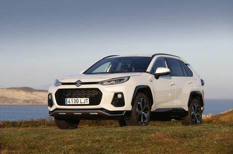 Suzuki Across, una nueva dimensión para la marca