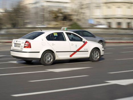 La Federación Profesional del Taxi de Madrid apoya las movilizaciones del sector por la defensa de la licencia urbana en Barcelona