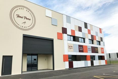 Toni Pons inaugura un nuevo centro logístico y duplica el espacio de su sede en Girona
