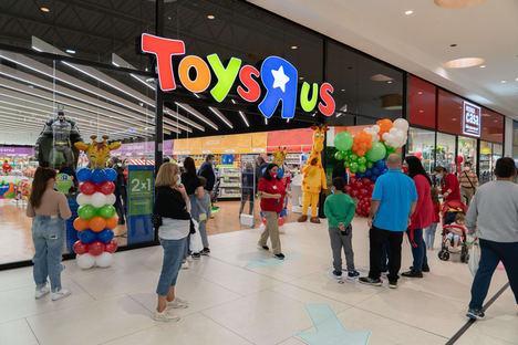 """Toys """"R"""" Us inaugura tienda en Albacete con el nuevo concepto de espacios inspirados en el juego"""