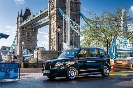 El taxi electrificado TX, se presenta en España