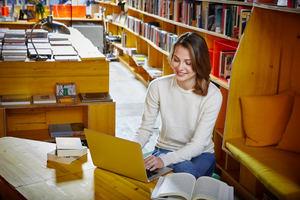 El curso Teaching English Online de Cambridge English enseña a los profesores a dar clases de inglés por ordenador