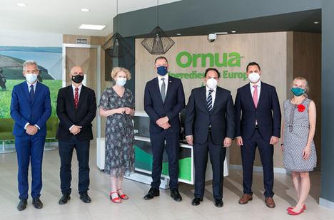 El ministro irlandés Thomas Byrne visita las instalaciones de Ornua en Ávila