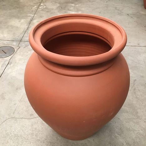 Divulgan las ventajas de las tinajas cerámicas para obtener vinos excelentes