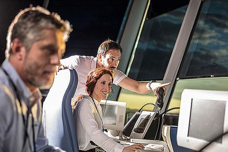 ENAIRE implanta la ficha de progresión de vuelo electrónica en la Torre de Control de Barcelona