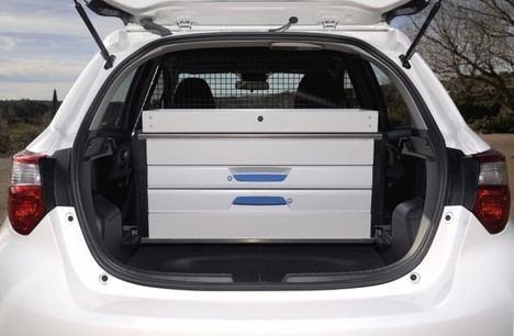 Nuevo Toyota Yaris hybrid ECOVAN