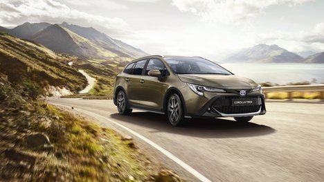 Toyota Corolla Hybrid Touring Sports Trek