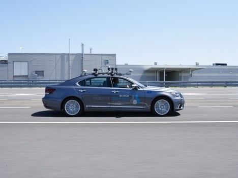 Toyota comienza a realizar pruebas de conducción automatizada en vías públicas urbanas europeas