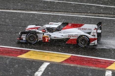 Fernando Alonso y Toyota triunfa bajo la nieve en Spa-Francorchamps