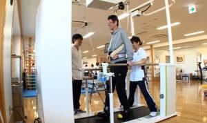 Toyota lanza en Japón un servicio de alquiler del robot asistente para rehabilitación Welwalk WW-1000