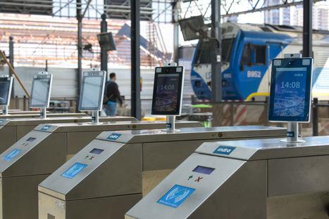Indra instala un sistema de control de temperatura y mascarilla en los accesos a trenes de Buenos Aires para incrementar la seguridad en tiempos del Covid
