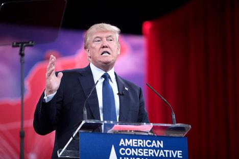 Trump hablando el 7 de febrero de 2015 en la Conservative Political Action Conference, en Maryland (EE UU). Wikipedia