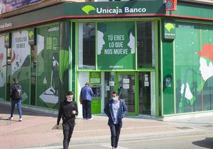 Unicaja Banco financia el pago del IRPF y adelanta la devolución