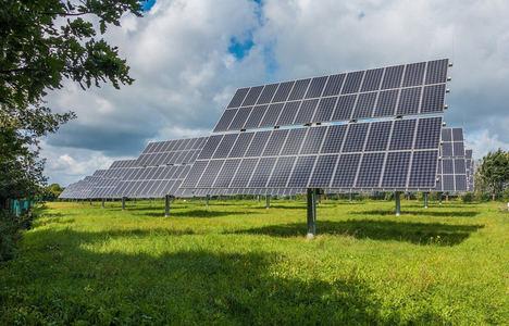 Unión de Uniones reclama una zonificación oficial de interés agrario para proteger el suelo de la invasión de grandes fotovoltaicas