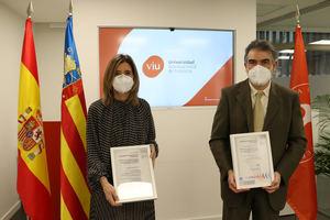 Eva María Giner, rectora de la Universidad Internacional de Valencia-VIU, y Juan Manuel Arnandis, director de Certificación de la Región Levante de SGS.