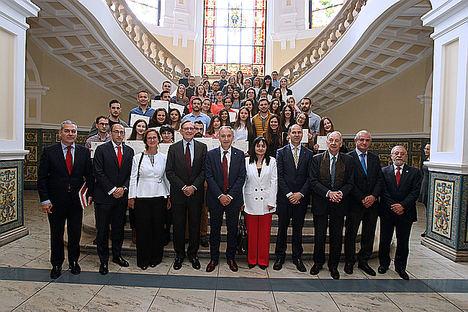 La Universidad de Valladolid y el Santander entregan becas a estudiantes con talento y renuevan su colaboración