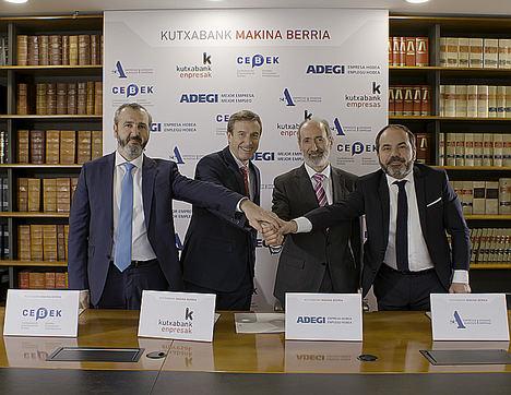 Iñaki Garcinuño, presidente de CEBEK, Fernando Irigoyen, Director General de Kutxabank, Eduardo Junkera, Presidente de Adegi, y Pascal Gómez, presidente de SEA.