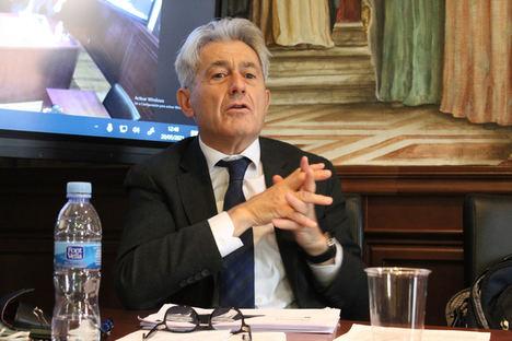 """""""España tiene un problema con las contribuciones a la Seguridad Social"""", afirma el presidente del Consejo General de Economistas"""