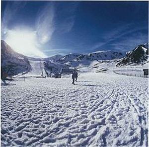 Escápate a la nieve en el Pirineo Catalán esta Navidad de la mano de Avancar y FGC