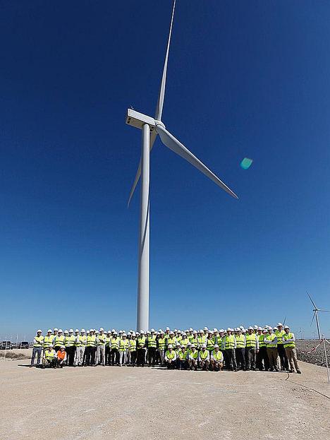 Viesgo inaugura en Puerto Real su parque eólico El Marquesado, en el que ha invertido 23 millones de euros