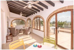 Villas mediterráneas con piscina para teletrabajar desde la Costa Blanca