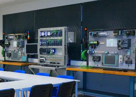 Volkswagen Navarra y Siemens crean un laboratorio pionero de conectividad digital