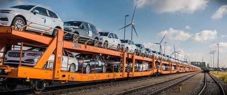 El cambio de camiones a trenes reduce de forma significativa las emisiones