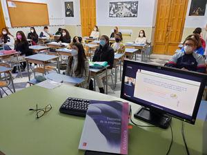 Cerca de 7.000 alumnos de 30 provincias participan en las XII Jornadas online de Educación Financiera para Jóvenes del Proyecto Edufinet de Unicaja