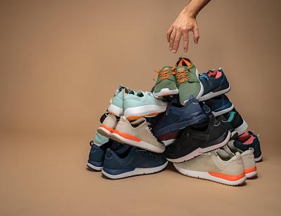 Cerca de 2.000 pares de zapatillas renovadas con hasta un 40% de descuento, como apuesta por el consumo consciente