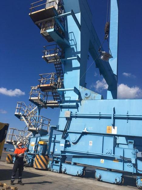 Zeuko investiga una solución para detectar y prevenir grietas en grúas portuarias STS