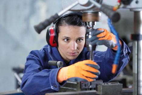Las empresas dispondrán de criterios de ergonomía con enfoque de género para mejorar la adecuación de los puestos de trabajo
