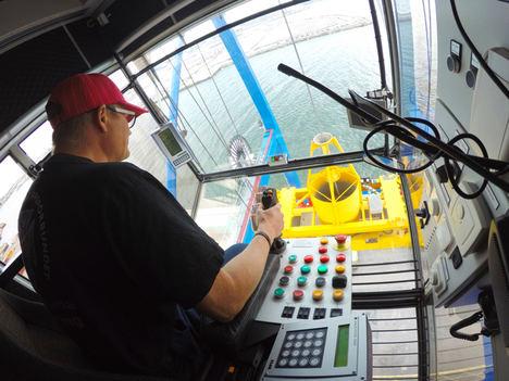 La comunicación en red abre nuevas oportunidades para los joysticks (palancas de mando) industriales