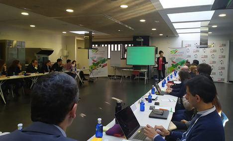 Los participantes en el proyecto Mencia de Vitartis, durante una de las primeras sesiones de trabajo, celebrada el pasado mes de febrero en Valladolid.