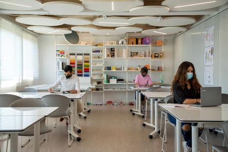 Alumnos de Diseño de Interiores definen la nueva aula del futuro con el apoyo de la industria